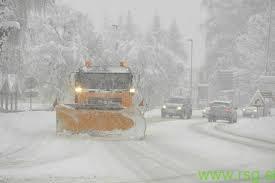 Največ težav povzroča sneg na cesti Maribor-Dravograd