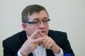 LPR zbrala nekaj tisoč podpisov za odhod Fištravca