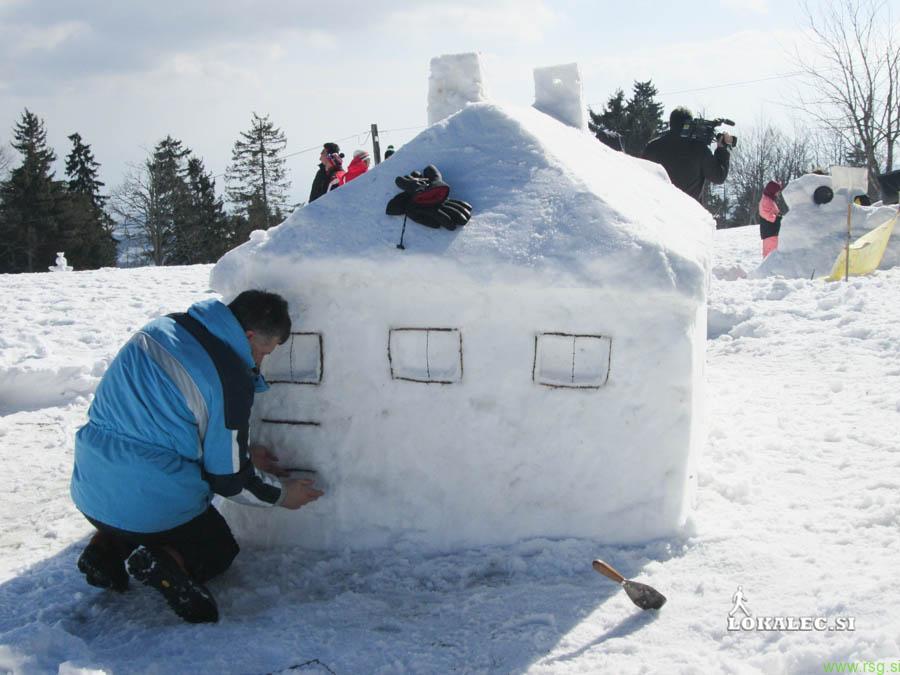 Snežno vas na Arehu prekril sneg