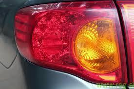Štiri oranžne lučke