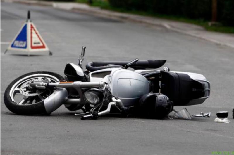 Na cesti umrl motorist - povzročiteljica pobegnila