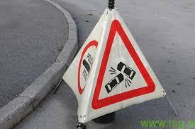 Nerazjasnjene okoliščine prometne nesreče v Mariboru: trčila VW Passat in Opel Astra
