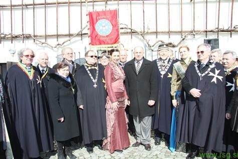 V Mariboru opravili rez najstarejše trte na svetu