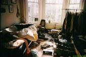 Lenart: Izdajali sta se za socialni delavki in občanki prebrskali vso stanovanje