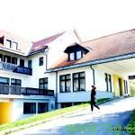 FOTO: V kakšnem stanju je danes nekdanji hotel Črni les?