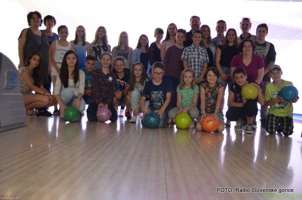 FOTO: 4. sezono oddaj IZ OŠ KLOPI smo zaključili z bowlingom