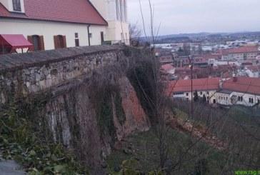 Sanacija ptujskega gradu naj ne bi presegala 250 tisočakov