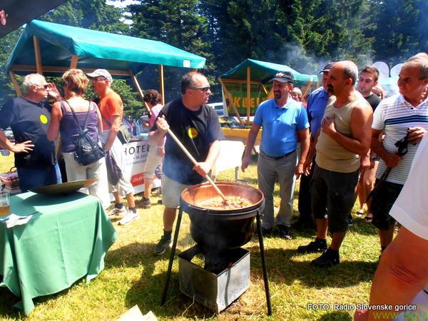 FOTO: Na Arehu že 12. kuhanje pohorskega piskra