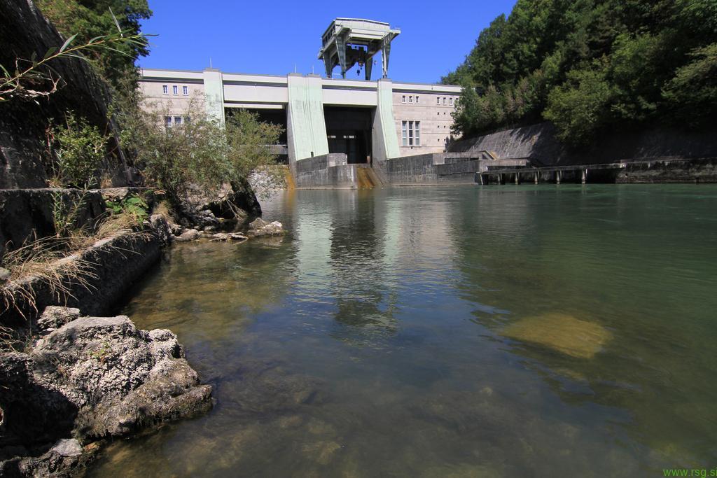 Julijsko sušo čutili tudi v Dravskih elektrarnah Maribor