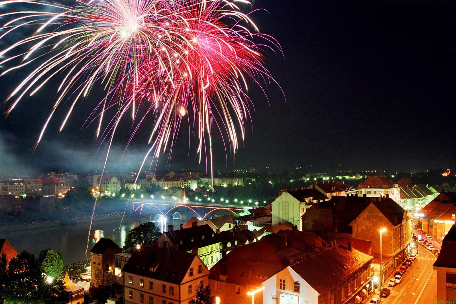 Festival Lent z nekaj manj kot 400 dogodki privabil 230 tisoč ljudi