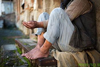 Za revščino je odgovorna država!