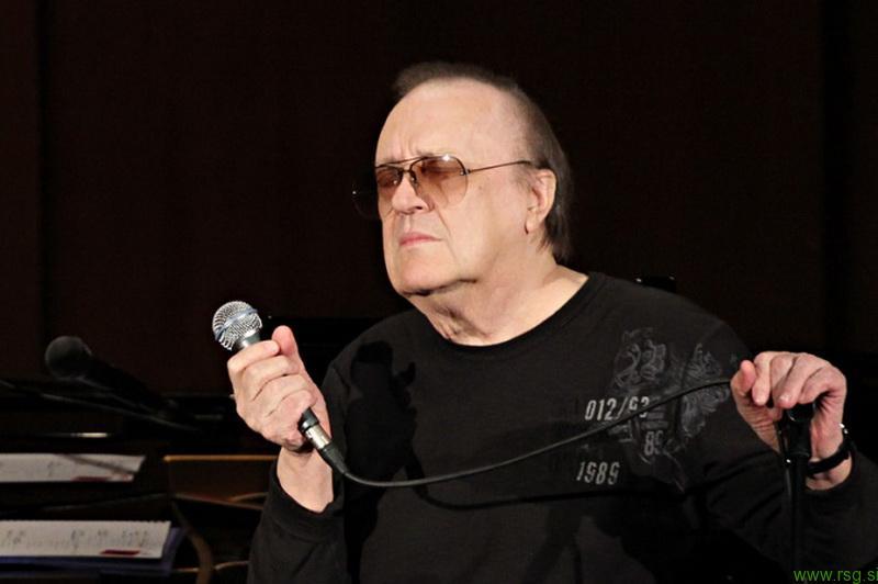 Umrl je Arsen Dedić izvajalec skladbe Pegasto dekle
