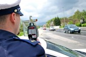 Kljub opozorilom 67 voznikov prehitrih