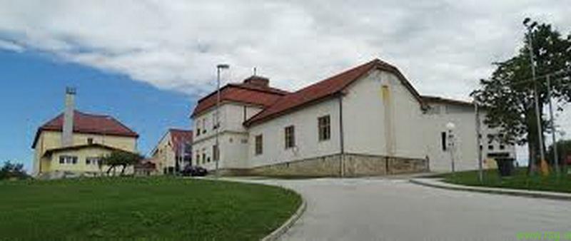 Lenarška športna dvorana v času poletnih počitnic zaprta