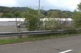 Avstrija in Slovenija si begunce čez mejo podajata kot žogo
