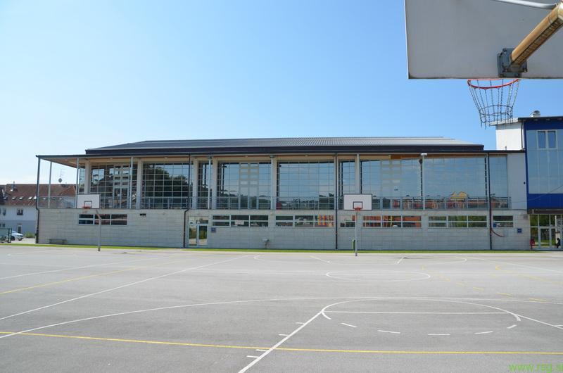 V benediški športni dvorani pestro