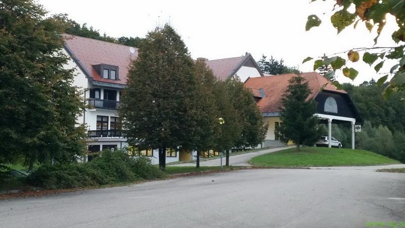 V nekdanjem hotelu Črni les so že nastanjeni prvi begunci