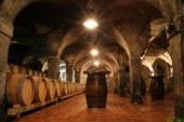 Previdno v vinskih kleteh