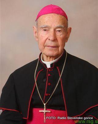 Upokojeni mariborski pomožni škof Jožef Smej bo v petek dopolnil 97 let