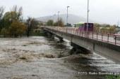 Povišan pretok reke Drave zaradi praznjenja jezu v Avstriji