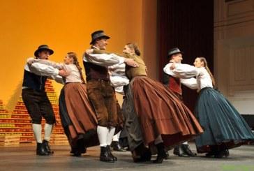 Jesenski likof folklornih skupin v Lovrencu na Pohorju
