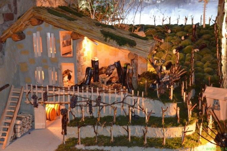 Letošnja razstava jaslic v samostanski kleti bo obogatena z božičnim sejmom
