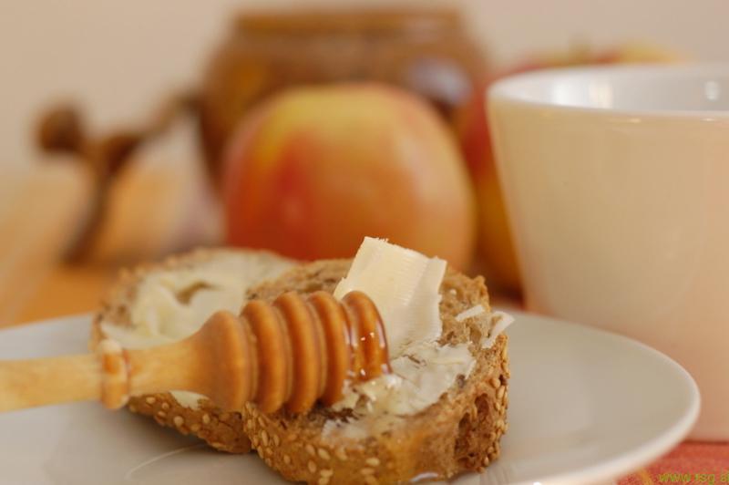 Tradicionalni slovenski zajtrk zrastel iz ideje slovenskih čebelarjev