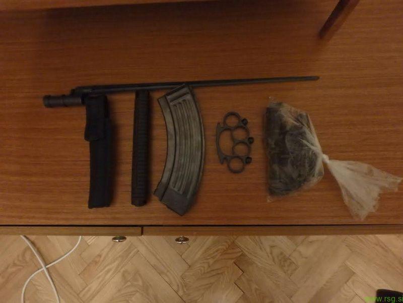 Mariborčan hranil orožje in dele orožja