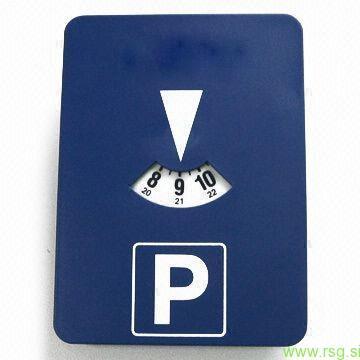Se v Lenartu obeta časovno omejeno parkiranje?