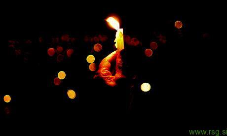 V Pesnici predpraznični pohod z lučkami