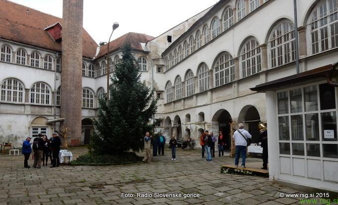 Nori december na gradu Cmurek