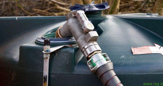 Komaj stopinja pod ničlo in že ukradli 800 litrov kurilnega olja