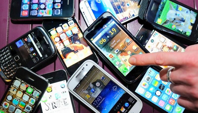 V Lenartu ukradli več mobilnih telefonov