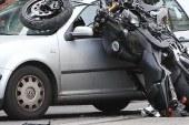 V Jurovskem Dolu trčila osebni avtomobil in motor