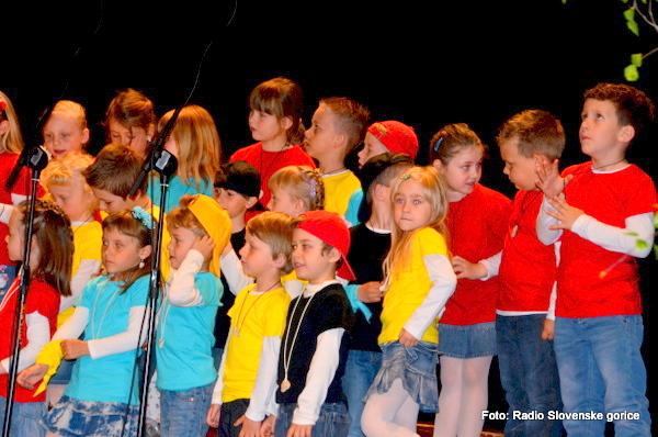 Na Ptuju območna revija otroških pevskih zborov