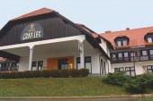 V nekdanjem hotelu Črni les v Zamarkovi naj bi bila enota lenarškega doma starejših