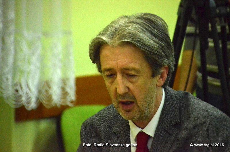 Šefic ob opravičilu v zvezi z objavo uredbe o določitvi centra za tujce v Črnem lesu, sporoča, da omenjenega centra tukaj ne bo