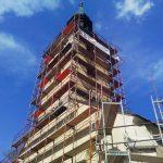 FOTO: V Benediktu urejajo fasado na župnijski cerkvi