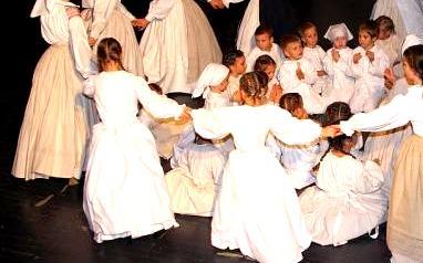 Območno srečanje otroških folklornih skupin v Sveti Trojici