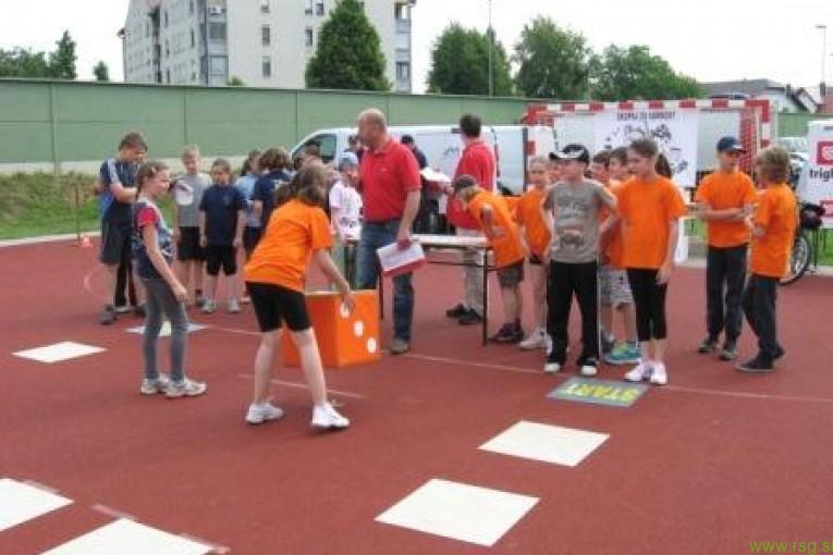 Na sklepni prireditvi 12. Otroške varnostne olimpijade danes v Mariboru predali tudi sredstva zbrana na Štengiadi