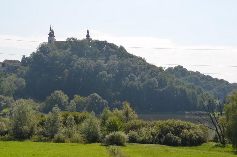 V Občini Sveta Trojica kmalu znana cena najema brunarice ob jezeru