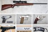 Moški, ki je v Poljčanah streljal na policista, imel doma zalogo orožja