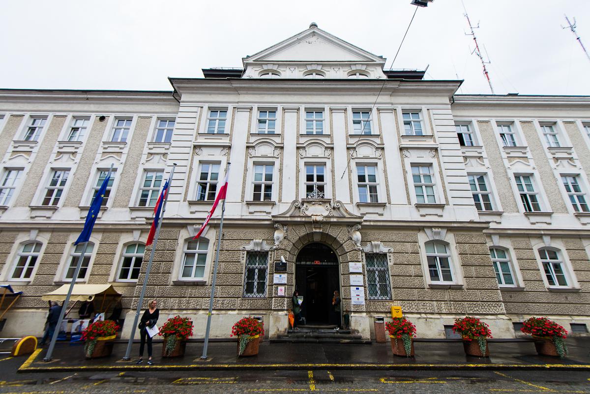 Po ugotovitvah računskega sodišča zahteva za takojšnje ukrepanje mariborskega mestnega sveta