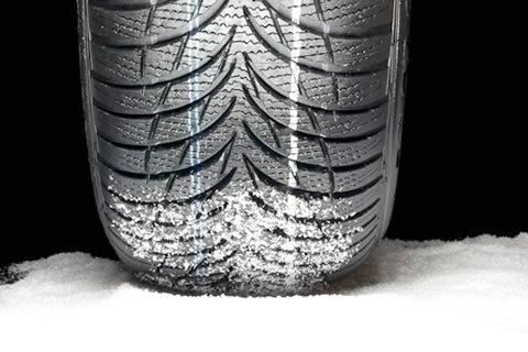 Na vozilih obvezna zimska oprema