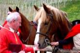 V Jurovskem Dolu tudi letos tradicionalni blagoslov konj