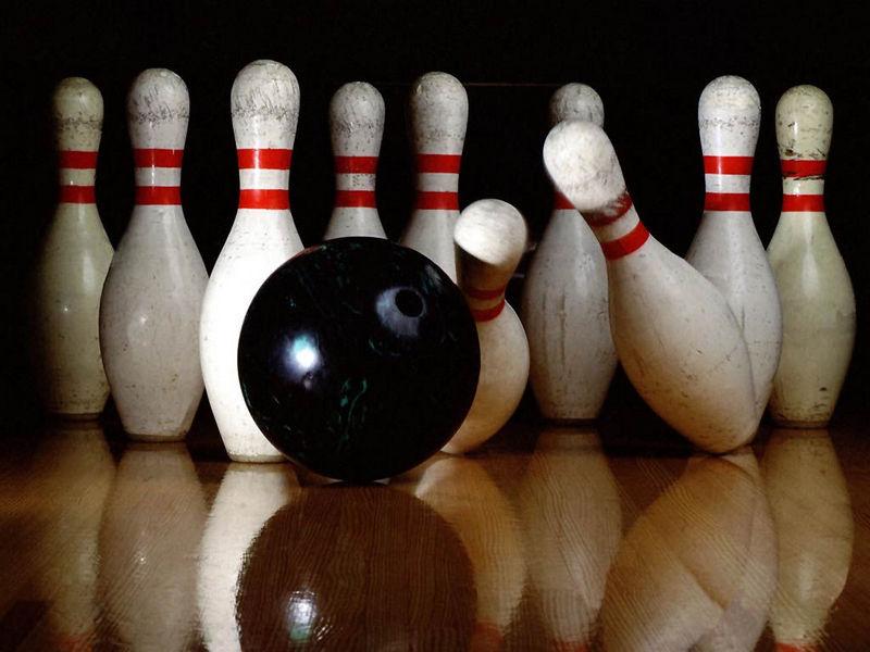 Študentski klub Slovenskih goric v novo leto z bowlingom