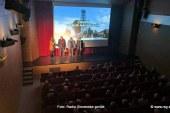 FOTO: Polna dvorana domačinov ob premieri filma o Zavrhu