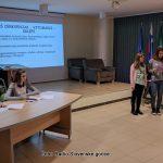 Učenci parlamentarci za manj učne snovi in več učenja za življenje