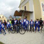 FOTO: Blagoslov koles in kolesarjev v Trnovski vasi