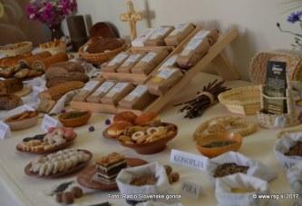 FOTO: Dobrote slovenskih kmetij na Ptuju
